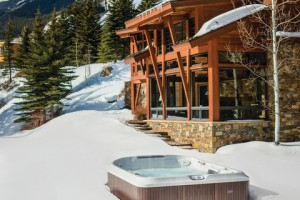 4 Reasons to Use a Hot Tub This Winter